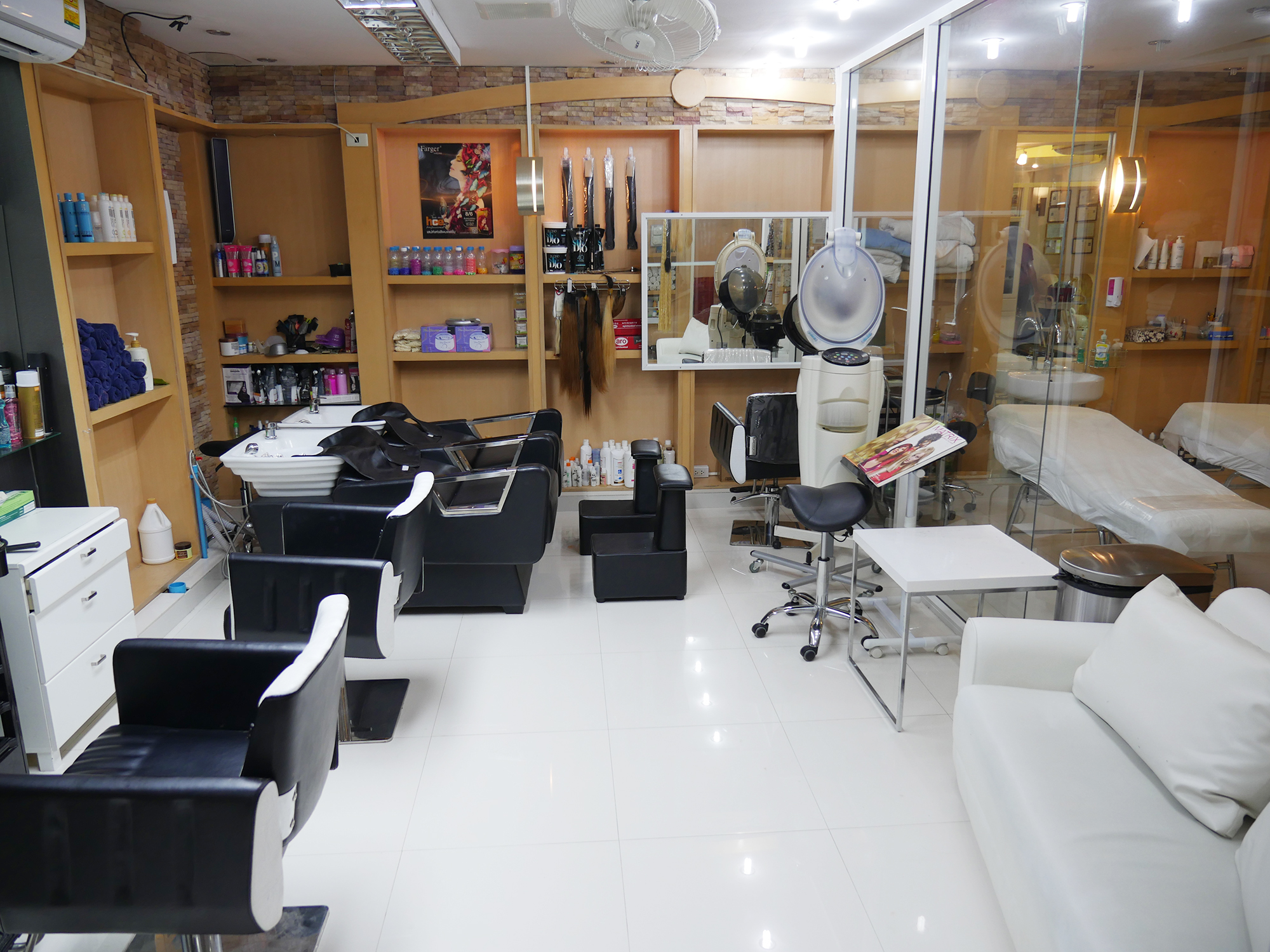 BEAUTY-SALON-AT-VAYO-MASSAGE